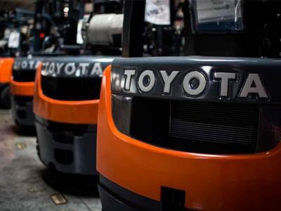 Вилочный погрузчик Toyota: история развития, разновидности автопогрузчиков и их особенности